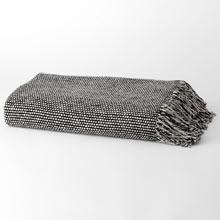 Wool Tweed Emphasize Throw