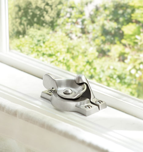 Bevel-sash-lock_med