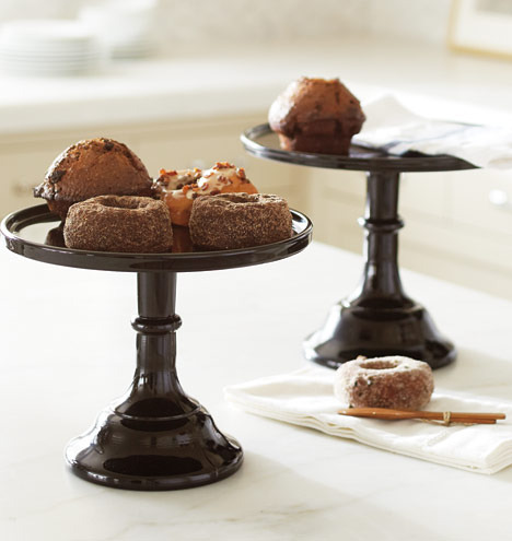 Sized_cake-plates_med