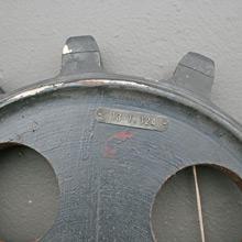 F1605a