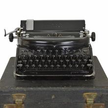 Vintage Remington Noiseless Portable Typewriter c1920s